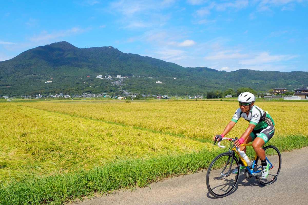 筑波山の絶景を望みながらサイクリング