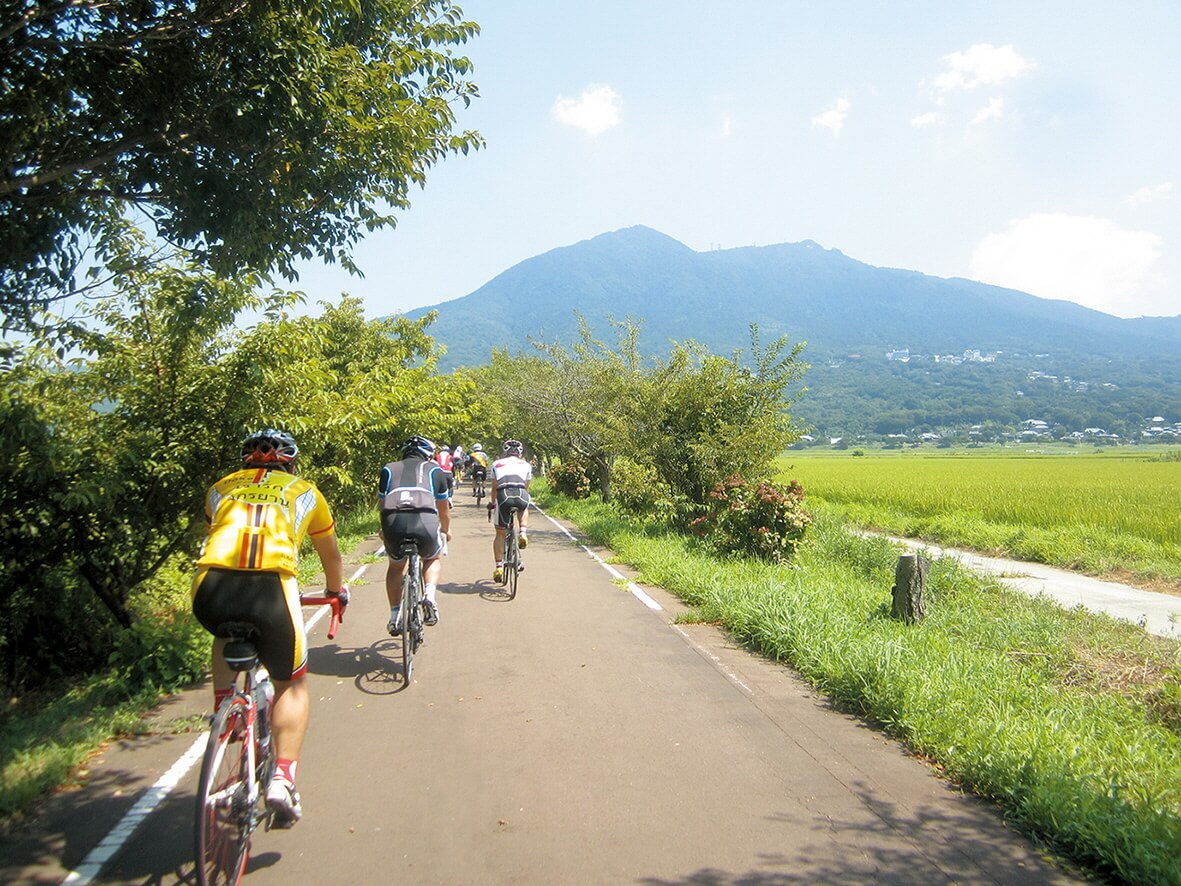 つくば霞ヶ浦りんりんロード。自転車で走る人々