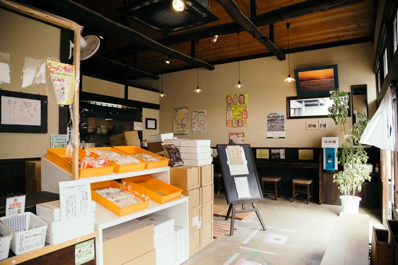 松屋製麺所の店内